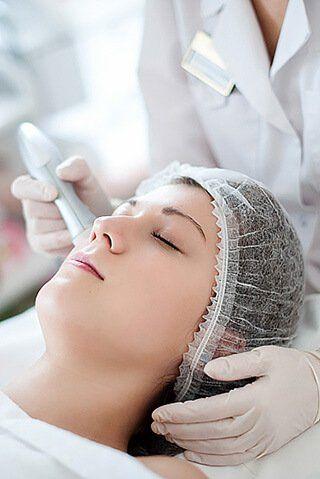 Аппаратная мезотерапия лица без иглы в салоне красоты Акварель