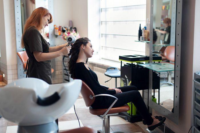 Биозавивка длинных волос в салоне Акварель