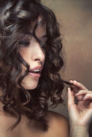Биозавивка волос на крупные локоны в Акварели