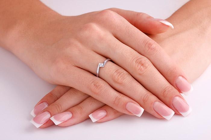Гелевое моделирование ногтей