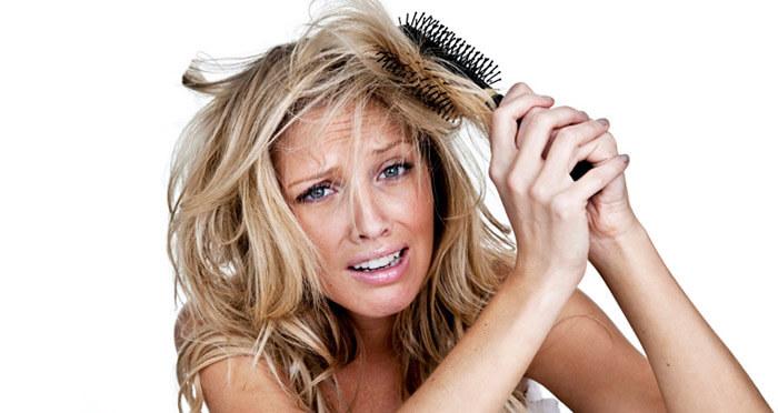 Кератиновое бразильское выпрямление секущихся волос